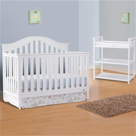 fisher price kingsport crib fisher price 2 nursery set kingsport 5 in 1