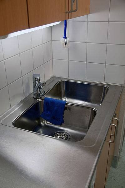 how do you replace a kitchen sink replacing kitchen sink plumbing may seem like a difficult 9259
