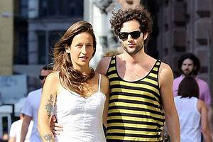 Penn Badgley Marries Domino Kirke - Fame Focus