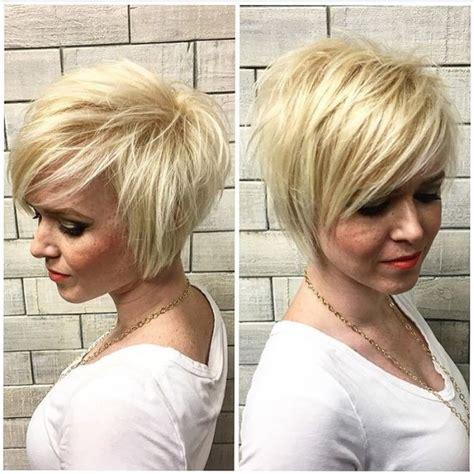 odmladzajace fryzury dla dojrzalych kobiet   lat