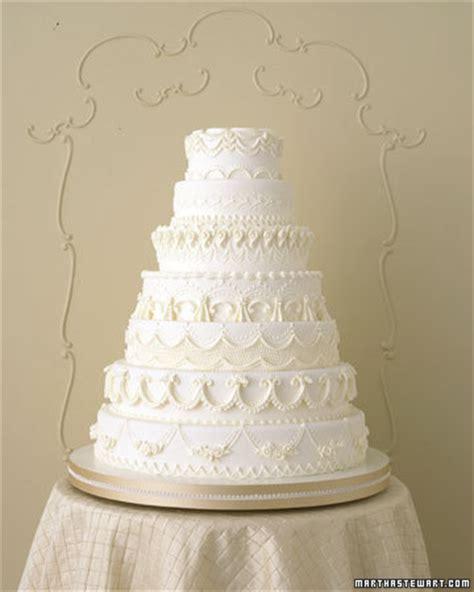 white wedding cakes winter white wedding cakes