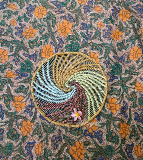 Dianyam dengan bahan rotan asli berkualitas dan finishing. Paling Bagus 28+ Gambar Motif Anyaman Bunga Dari Kertas - Gambar Bunga Indah