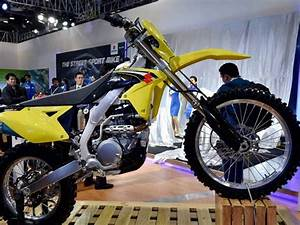 Suzuki's new version 'Access 125' and upgraded 'Gixxer' at