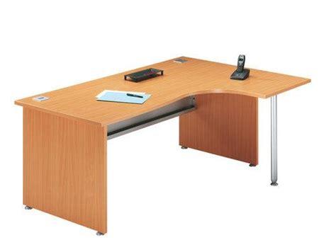 bureau evo fly bureau angle avec retour à droite et pied de soutien primo