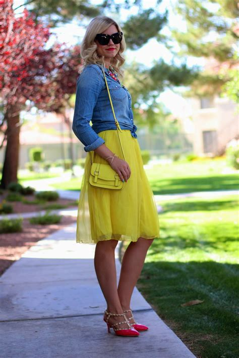 Yellow Skirt Fall Outfit