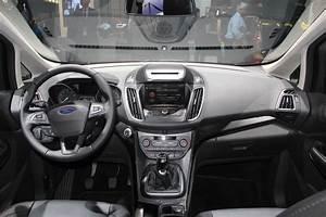 Ford C Max Coffre : ford c max restyl nouvelle identit vid o en direct du salon de paris 2014 ~ Melissatoandfro.com Idées de Décoration