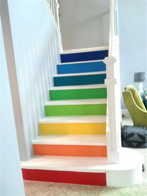 Holztreppe Weiß Streichen by Holztreppe Streichen Farbig Und Kreativ