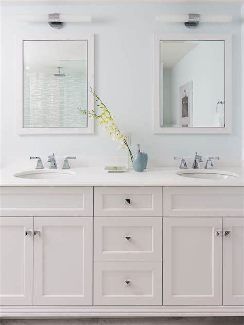 Bathroom Shaker Cabinets by White Shaker Vanity Cabinets Design Ideas