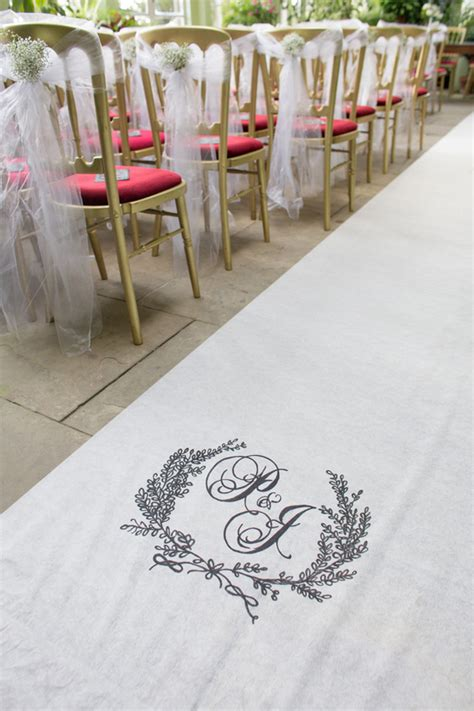 diy monogram aisle runner project wedding