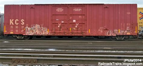 box car train railroad freight train locomotive engine emd ge boxcar