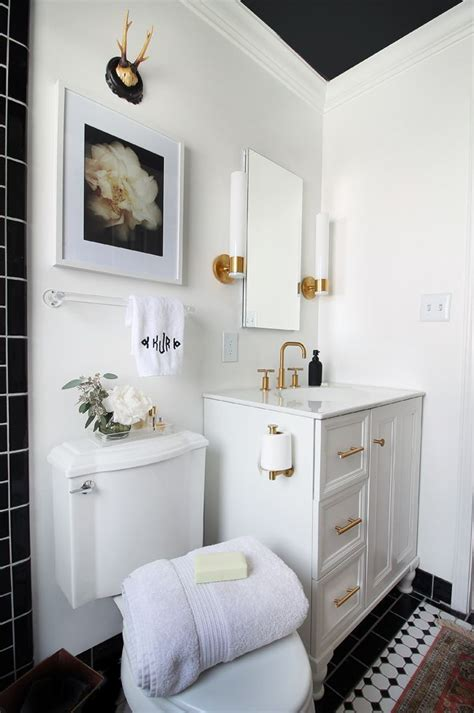 Bathroom Hardware Ideas by 17 Best Ideas About Black White Bathrooms On