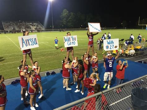top  ideas  homecoming proposal  pinterest prom