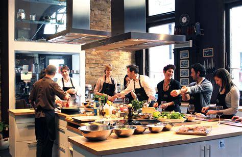 cours de cuisine à ateliers saveurs école de cuisine cocktails et vins