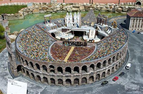 Ingressi Arena Di Verona Arena Di Verona In The Park Italia In Miniatura Stock