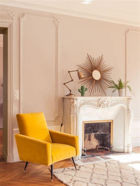 recouvrir des coussins de canapé 17 meilleures idées à propos de canapé jaune sur