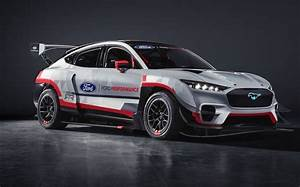 Ford unveils electric Mustang Mach-E race car with 1,400 horsepower
