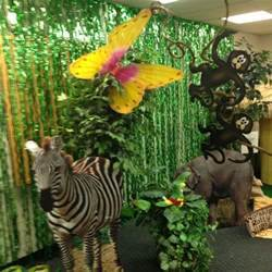 Vbs jungle theme decorations
