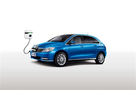 DENZA 400 EV gets a 62 kWh battery - Push EVs