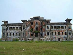 7 Haunting Abandoned Hotels, Hospitals, & Churches   Urbanist