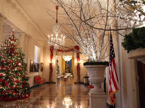 a spectacular white house christmas white house christmas 2014 hgtv