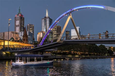 Duffy Boats Australia by New Duffy 22 Electric Hire Boat On Melbourne S Yarra