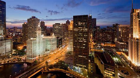downtown chicago il hotel near the riverwalk hyatt