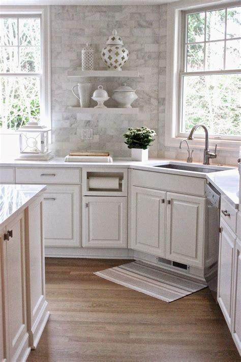 weisse hochglanz küche wei 223 e k 252 chenschr 228 nke mit schwarzer granit arbeitsplatten