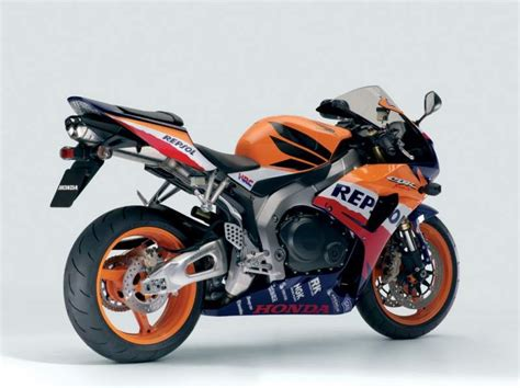 cbr sports bike price honda cbr1000rr price specification reviews india the