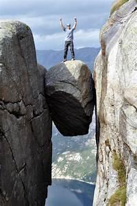 13 Mystifying Balanced Boulders