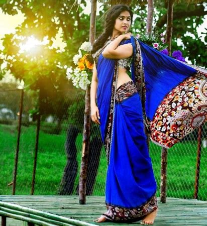 Divi Vadthya Wiki, Age, Boyfriend, Height, Weight, Biography & More