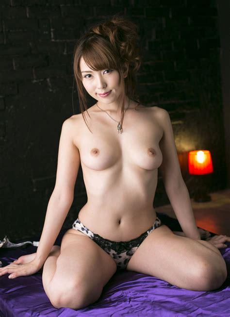 Yui Hatano Hot Jav Idol Nude Show Off Hot Asian Girls