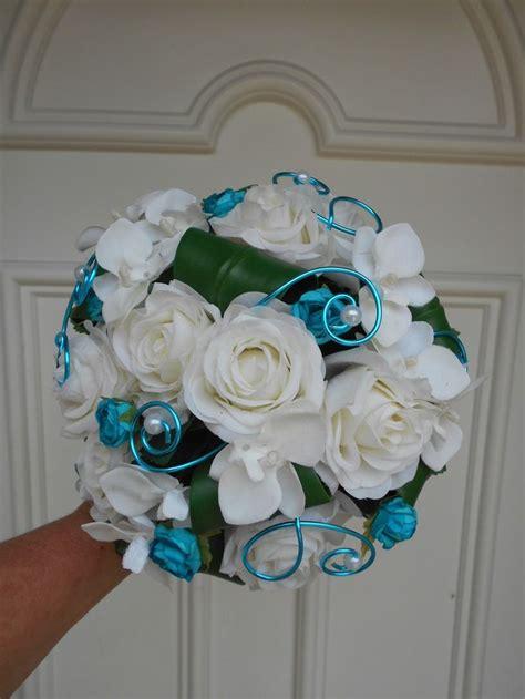 deco mariage blanc et bleu turquoise les 25 meilleures id 233 es concernant bouquets de mariage turquoise sur fleurs de