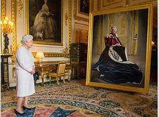 Painted secretly in Canada, Queen's new official portrait