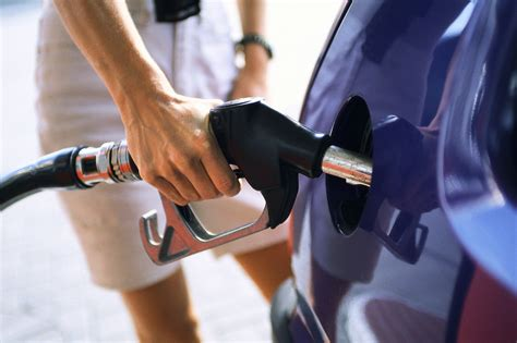 Why You Should Never €�top Off' Your Gas Tank