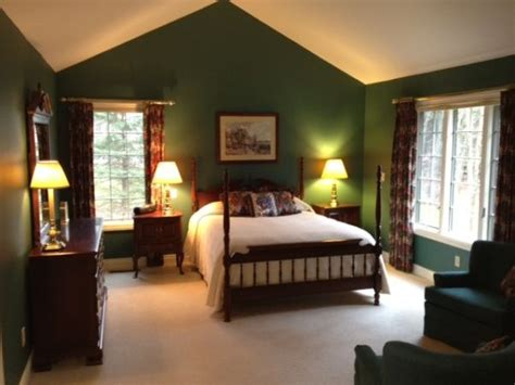 Best + Forest Green Bedrooms Ideas On Pinterest