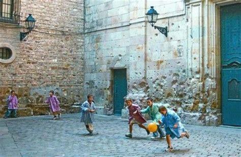 giochi da cortile per bambini danni causati dai bambini giocono nel cortile condominiale