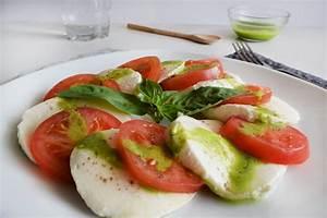 Caprese Salad the easiest salad Foodieopedia