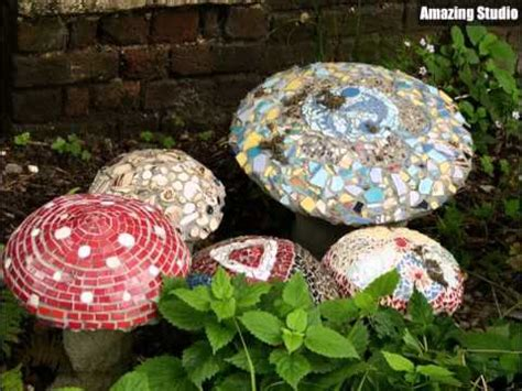 plötzlich pilze im garten ehrf 252 rchtiges mosaik pilz garten ideen