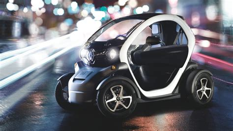 renault twizy vs smart fortwo renault twizy design