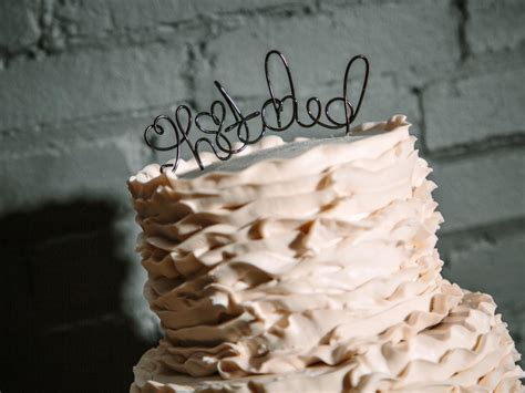 How To Make A Wire Cake Topper How Tos Diy