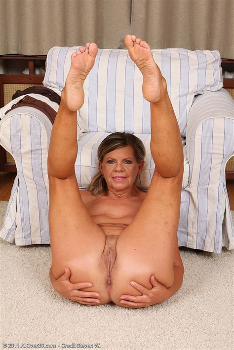 Mature Pictures Featuring Year Old Samantha P From