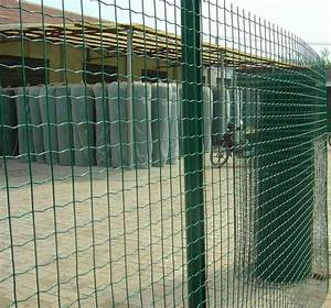 Welded Wire Fence: Welded and Hot Dipped Galvanized