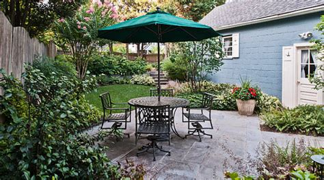 small yard patios the art of landscaping a small yard