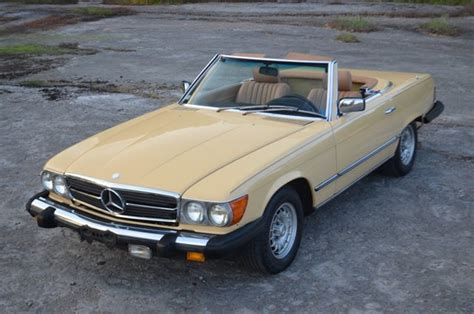 This classic 1984 mercedes 380sl is in the perfect color combination, comes with both tops, has a supple a/c interior, received proper care a mercedes convertible is a great classic because it has the kind of solid build quality that lasts for generations. 1984 Mercedes-Benz 380SL Convertible for sale #1858734 | Hemmings Motor News