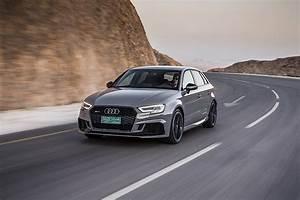 Audi Rs3 Sportback : audi rs3 sportback specs 2017 2018 autoevolution ~ Nature-et-papiers.com Idées de Décoration