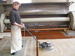 Teppich Komplett Reinigen : teppich reinigen in handarbeit das passiert bei einer teppichw sche teppichw scherei grie haber ~ Yasmunasinghe.com Haus und Dekorationen