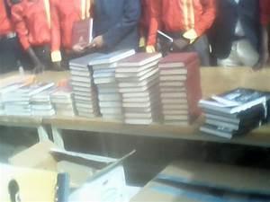 2500 Livres En Euros : dons aux tudiants du d partement espagnol de l 39 ucad l 39 asema offre 2500 livres d 39 une valeur de ~ Melissatoandfro.com Idées de Décoration