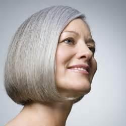 coupe cheveux blancs comment passer cheveux colores cheveux blancs