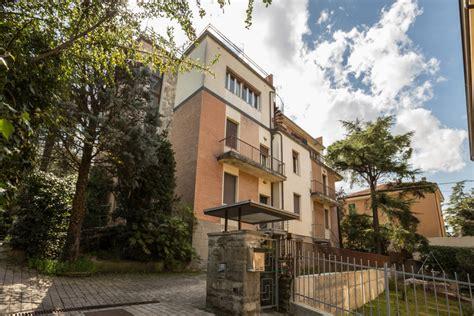 appartamento con terrazzo appartamento con terrazzo carducci immobiliare