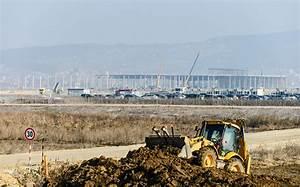 Výstavba automobilového závodu